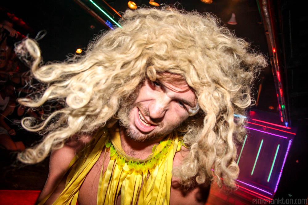 Koh Tao Pub Crawl ladyboy cabaret show