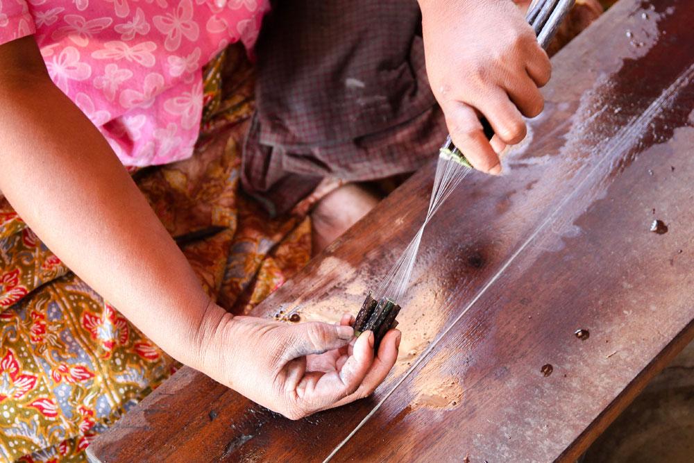 lotus flower weaving in Myanmar