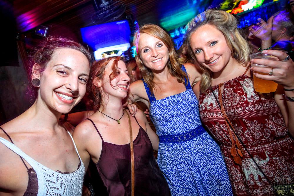girls in club