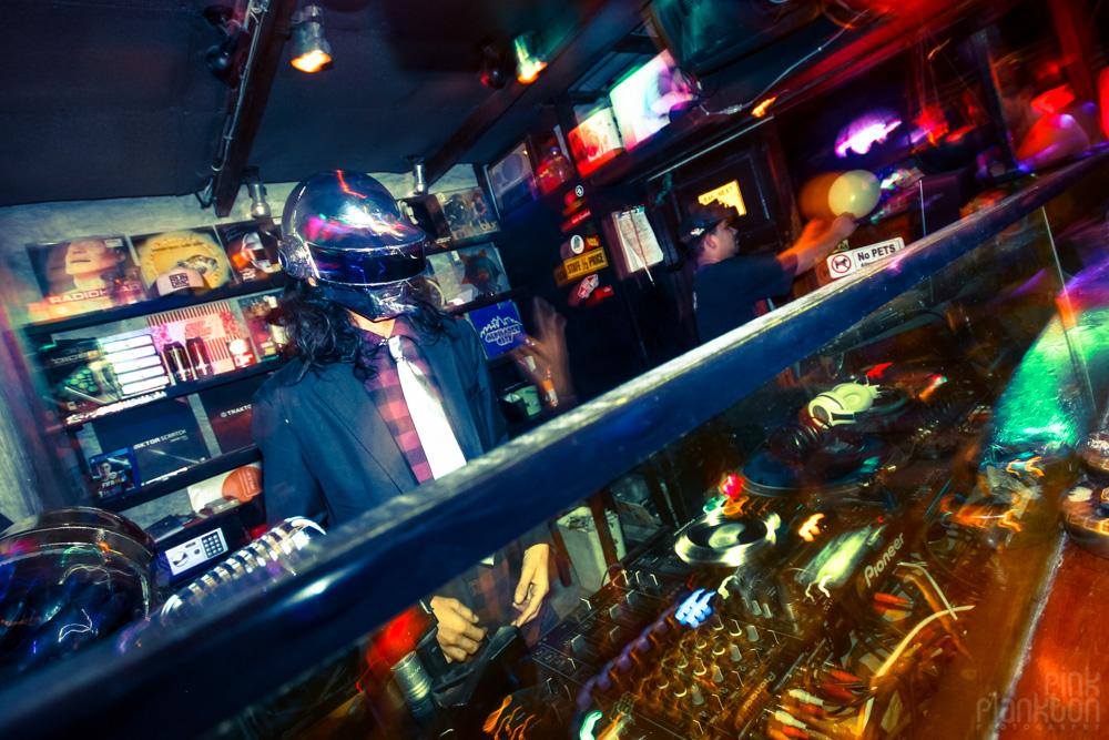 DJ at Bar Next 2 in Koh Tao