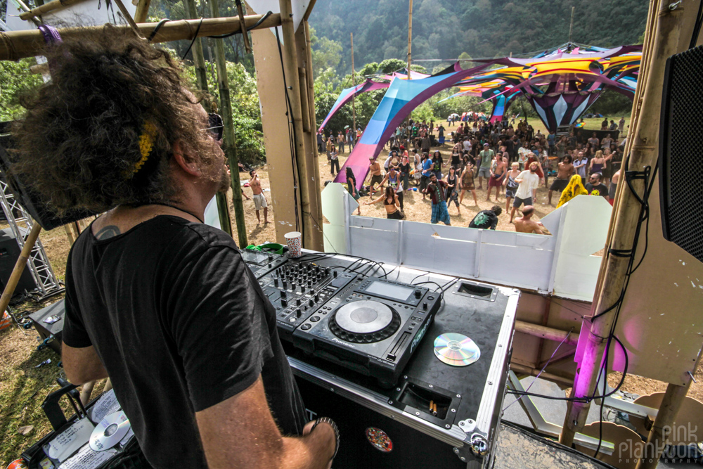 Gaudi playing at Cosmic Convergence Festival from DJ booth