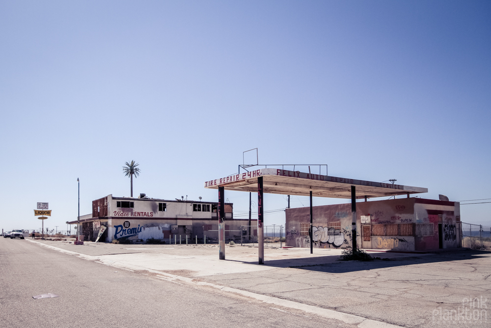 Bombay Beach gas station