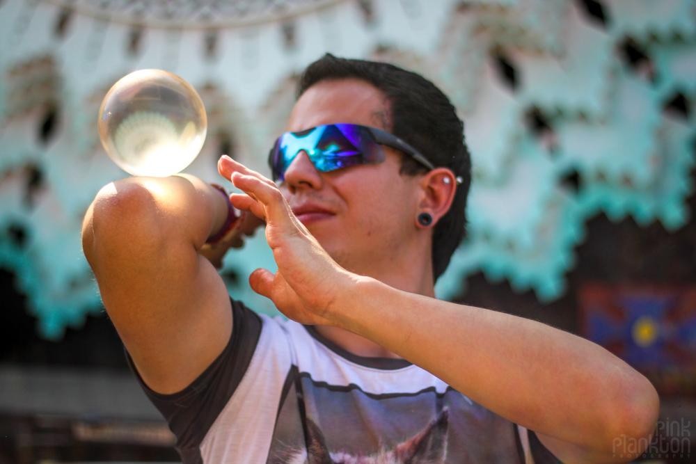 Festival Ometeotl contact juggler