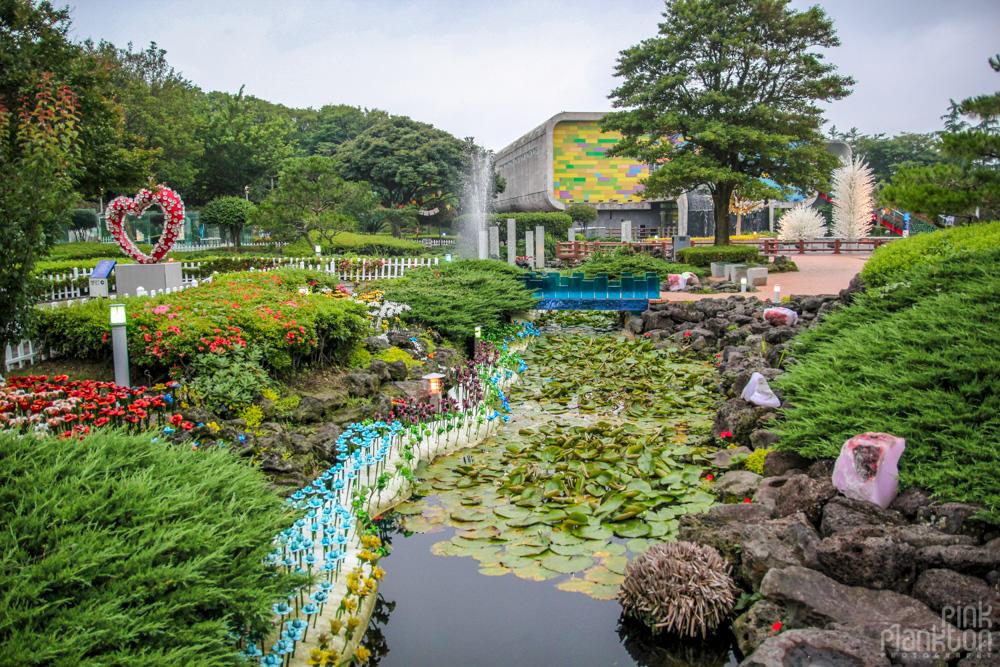 South Korea's Jeju Glass Castle