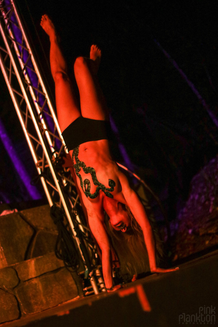 acrobatic performer at Tribal Gathering Festival