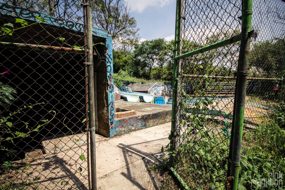 entrance to abandoned Atlantis Water Park in Mexico City