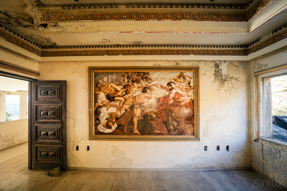 room with painting inside the Parthenon of El Negro