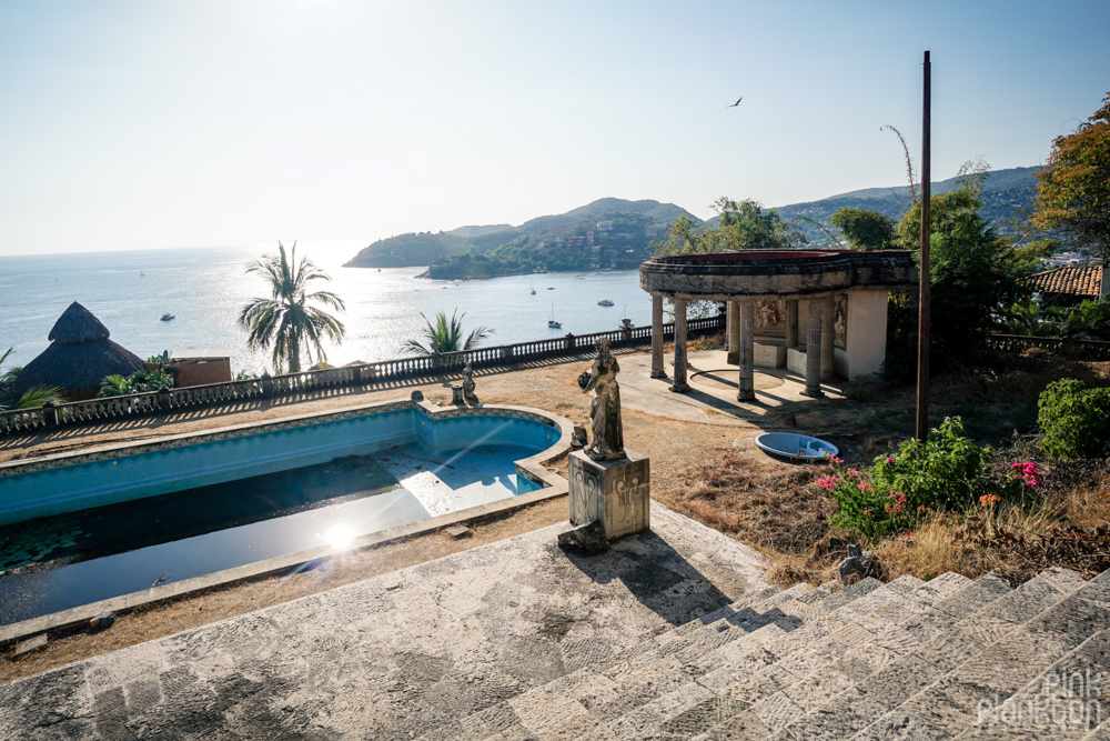 view of Zihuatanejo from the abandoned Parthenon of El Negro